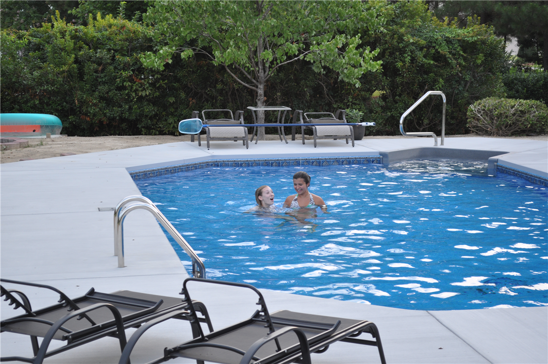Vinyl liner pools of eastern north carolina for Grecian swimming pool