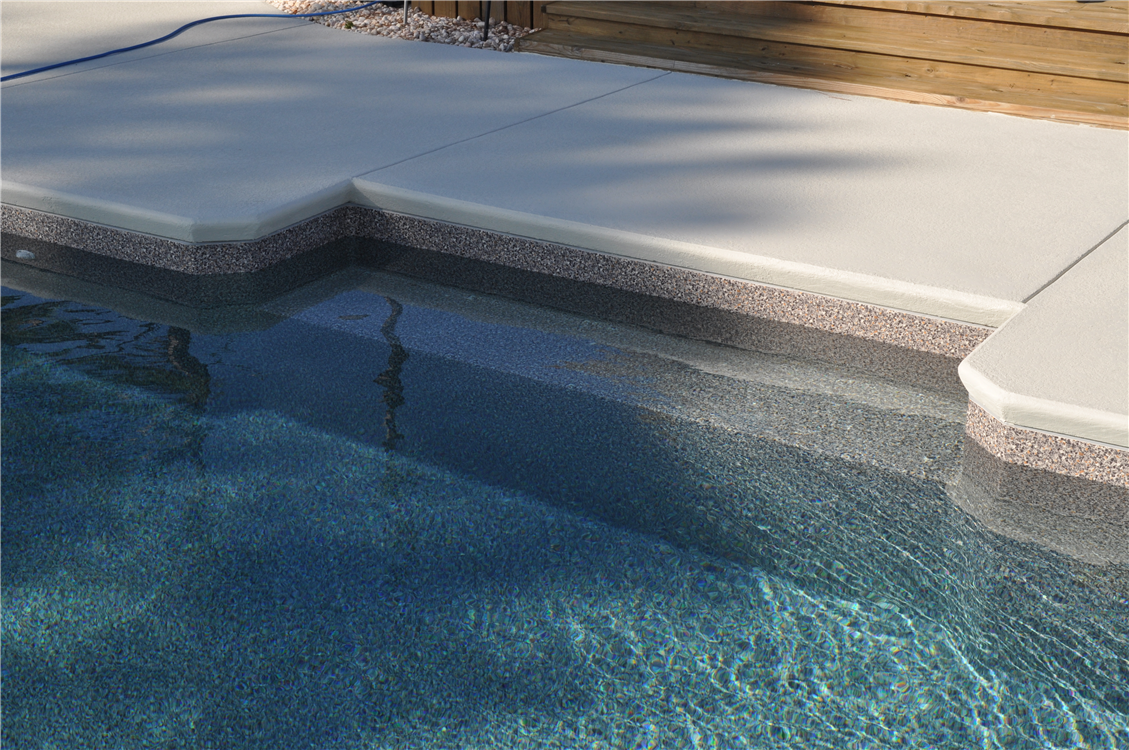In-pool Bench Seat, Cantilever Concrete Decking with Cool Deck Coating