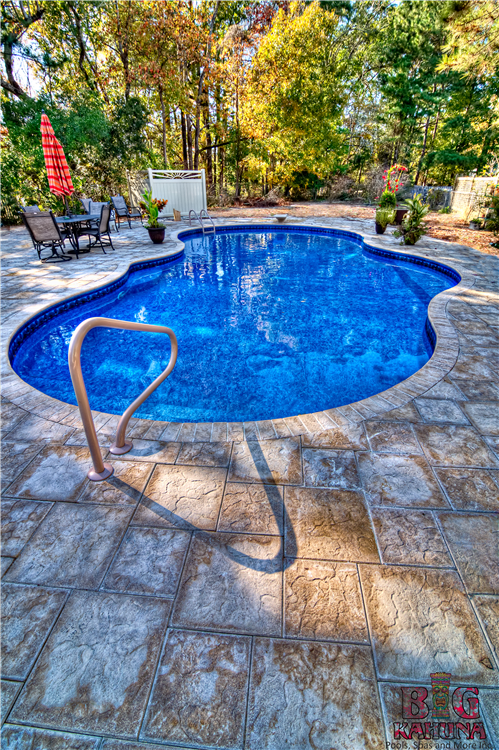 Mountain Pond with In-pool Steps and Two Benches, Artistic Pavers
