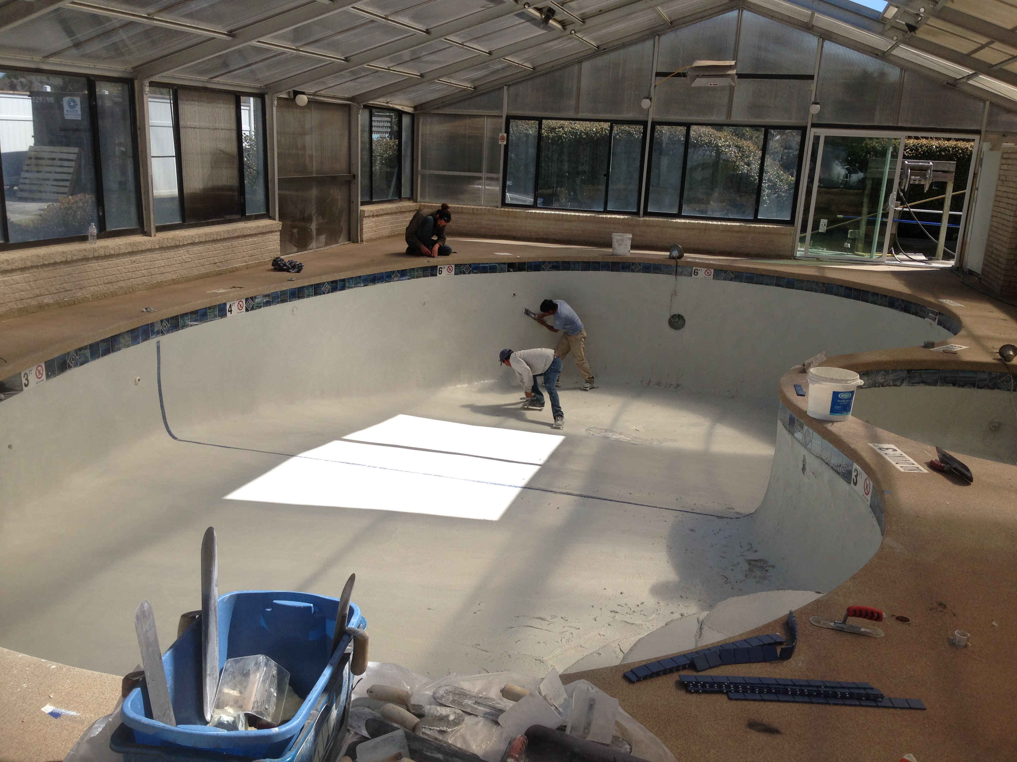 applying Diamond Brite Quartz Pool Plaster