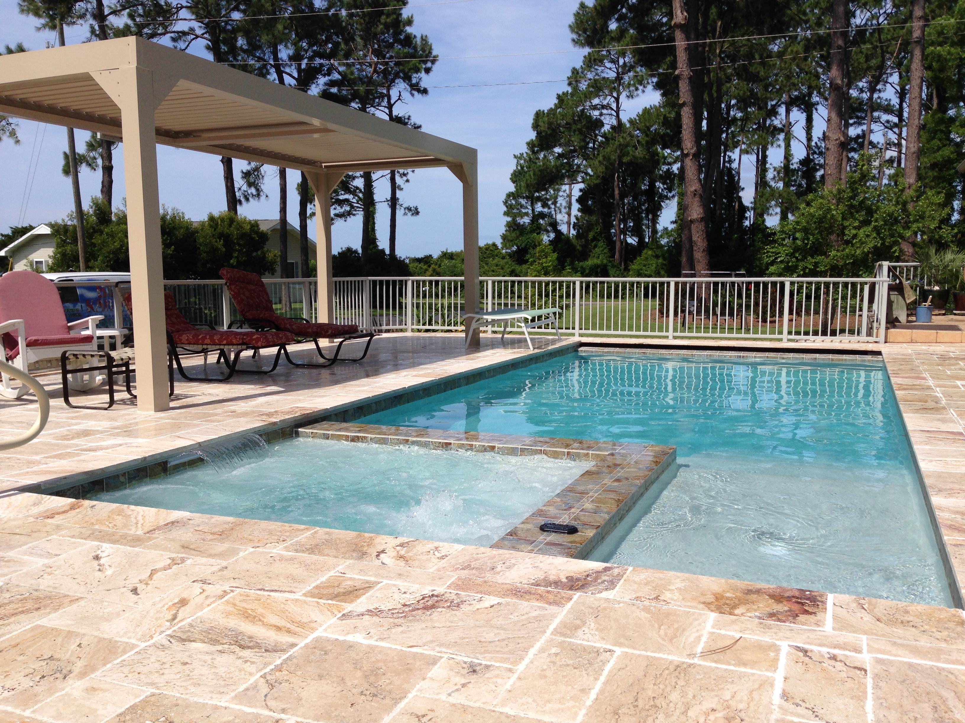 Pool complete with Pergola with opening and closing vanes for shade