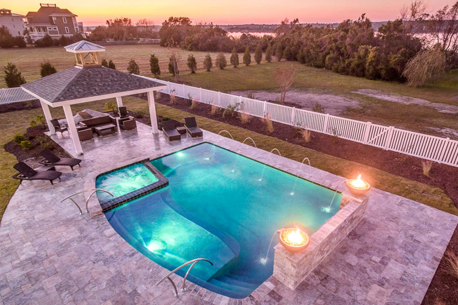 Big kahuna pools spas swimming pool builder new bern for Swimming pool and spa